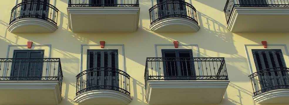 Cornici per esterni davanzali marciapiani aldo verdi milano - Decori per finestre esterne ...