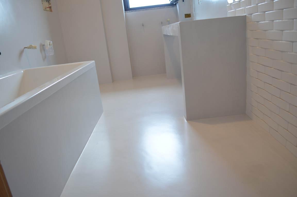 Pavimento decorazione ceramica - Pavimento resina bagno ...